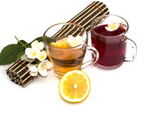 Ainda vida bonita com bebidas amarelas e do vermelho Imagem de Stock Royalty Free