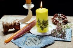 Ainda vida com as velas, secas fotos de stock royalty free