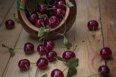 Ainda vida com cerejas maduras Fotografia de Stock Royalty Free