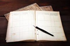 Ainda-vida com escrita-livros velhos Imagem de Stock