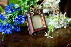 Ainda vida com frame ornamentado antigo. Imagem de Stock Royalty Free