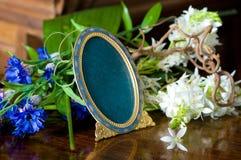Ainda vida com frame ornamentado antigo. Fotos de Stock Royalty Free