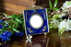 Ainda vida com frame ornamentado antigo. Fotografia de Stock Royalty Free