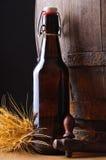 Ainda vida com frasco de cerveja Imagem de Stock Royalty Free