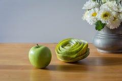 Ainda vida com maçã verde Foto de Stock