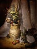Ainda-vida com o jarro trançado no estilo retro Imagem de Stock Royalty Free