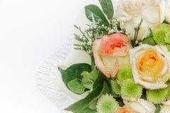 Ainda vida com o ramalhete bonito das rosas Imagens de Stock