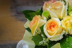 Ainda vida com o ramalhete bonito das rosas Imagem de Stock