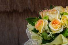 Ainda vida com o ramalhete bonito das rosas Fotos de Stock