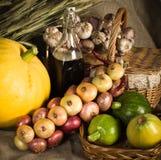 Ainda-vida com os vegetais no estilo rural Fotos de Stock Royalty Free