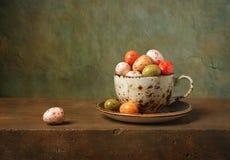 Ainda vida com ovos da páscoa Imagem de Stock