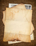 Ainda-vida com papéis velhos Fotografia de Stock Royalty Free