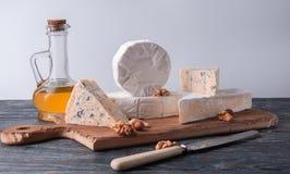 Ainda vida com queijo fotografia de stock