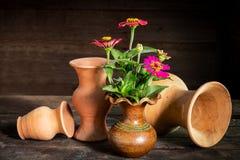 Ainda vida com uma flor do vaso, Imagem de Stock