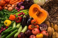 Ainda vida com vegetais e frutas do outono Fotos de Stock Royalty Free