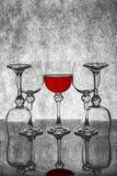Ainda vida com vidros de vidro com vinho Foto de Stock Royalty Free