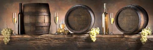 Ainda vida com vinho branco Fotos de Stock