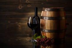 Ainda vida com vinho tinto Fotos de Stock Royalty Free