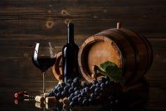 Ainda vida com vinho tinto Imagens de Stock