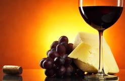 Ainda-vida com vinho vermelho Fotos de Stock Royalty Free