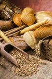 Ainda vida 1 Composição com tipos diferentes de pão Fotografia de Stock Royalty Free