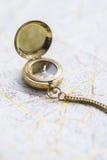 Ainda-vida da navegação com um mapa Imagens de Stock