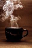 ainda vida da xícara de café preta morna foto de stock