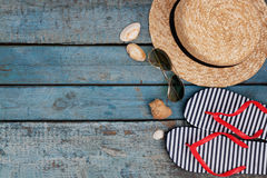 Ainda vida de artigos diferentes para relaxar na praia, borracha Imagem de Stock Royalty Free