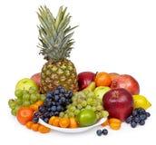 Ainda vida de frutas tropicais no fundo branco fotografia de stock