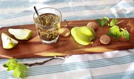 Ainda-vida do chá e dos frutos Fotografia de Stock Royalty Free