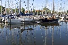 Ainda vida do porto com veleiros, Medemblik Imagens de Stock Royalty Free