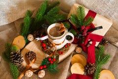 Ainda-vida do ` s do ano novo com xícara de café Fotos de Stock