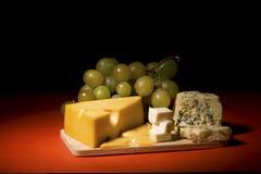 Ainda-vida do vinho e do queijo Imagem de Stock Royalty Free