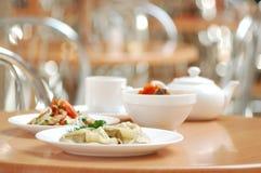 Ainda-vida dos pratos Imagem de Stock Royalty Free