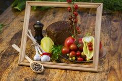 Ainda vida dos tomates, das pimentas e das especiarias Fotografia de Stock Royalty Free