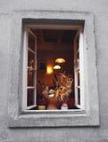 Ainda vida e luz morna na janela Imagens de Stock Royalty Free