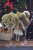 Ainda vida festiva com dois vidros de cocktail Fotos de Stock Royalty Free