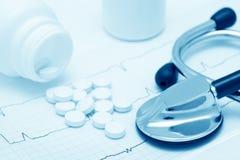 Ainda-vida médica (azul tonificado) Fotografia de Stock