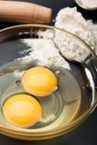 Ainda vida na mesa de cozinha preta Imagens de Stock Royalty Free