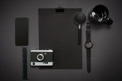Ainda vida, negócio, materiais de escritório ou conceito da educação lido Imagens de Stock