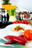 Ainda vida no alimento do mediterran da cozinha Imagens de Stock