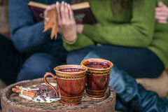 Ainda vida no outono velho do tambor do carvalho Imagens de Stock Royalty Free