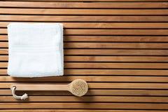 Ainda vida para a escovadela seca, higiene, banho, papel de parede da vista superior Fotos de Stock