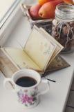 Ainda-vida, porcas, citrinas e livro do outono Fotos de Stock Royalty Free