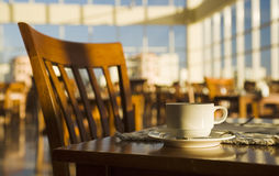 Ainda-vida positiva da manhã em um café Fotos de Stock
