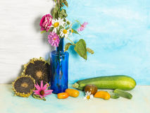 Ainda vida rústica brilhante com vegetais Foto de Stock Royalty Free