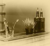 Ainda vida, uma barra com garrafas Imagens de Stock