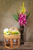 Ainda vida, vegetais na cesta de bambu Imagens de Stock Royalty Free