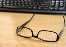 Ainda vidros no escritório Foto de Stock
