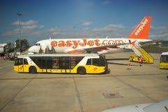 Aiport Lissabon aiport - service - buse fotografering för bildbyråer